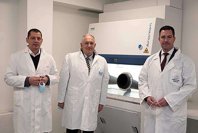 """СРБАТОМ донирао вредну опрему Ветеринарском специјалистичком институту """"Краљево"""" с циљем брзог детектовања корона вируса"""